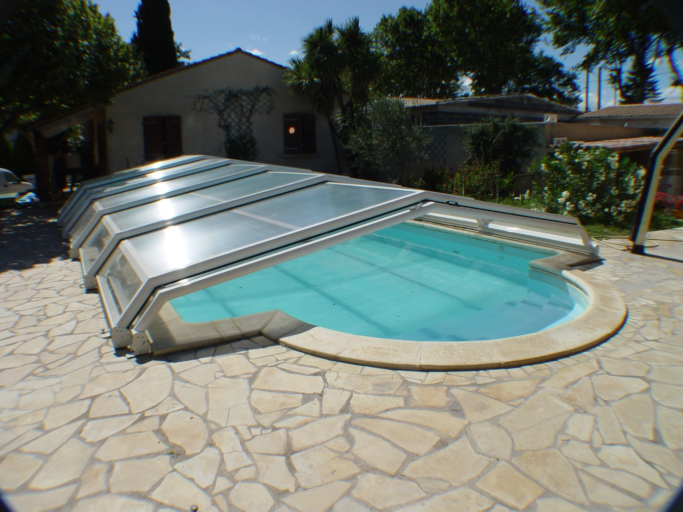 Abris piscine bas corail for Abri bas piscine