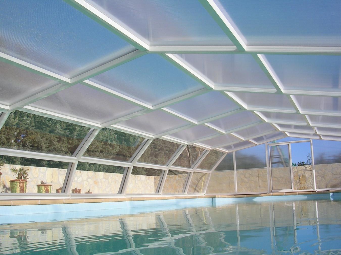 Abri piscine m dium colibri et cara bes for Autobronzant et piscine